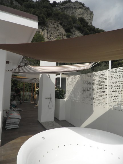 DE CASTELLI: outdoor projects