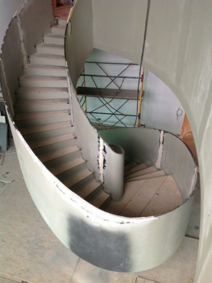 Coil metal stairs